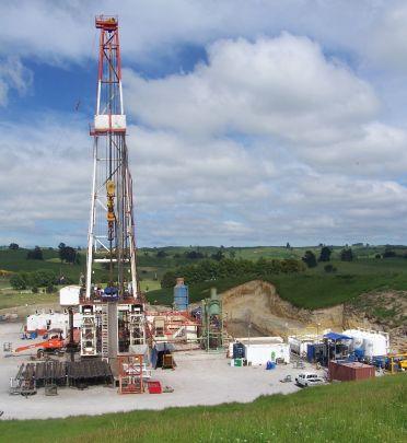 geothermal_drilling_at_te_mihi_nz