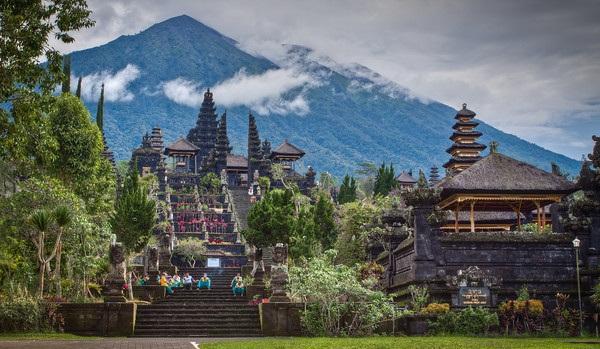 besakih-temple-bali
